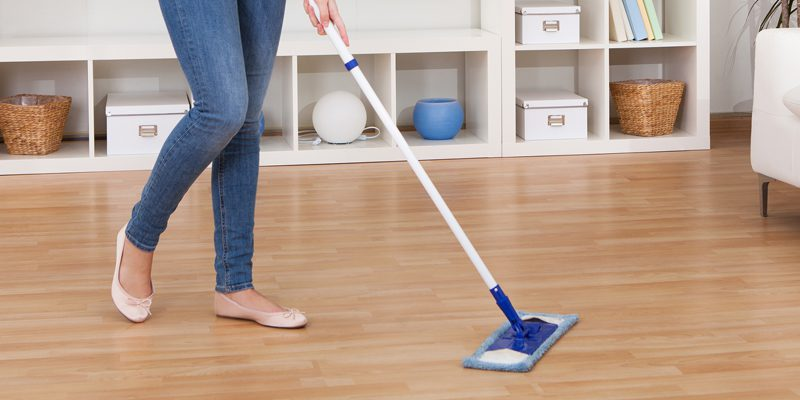 cleaning-laminate